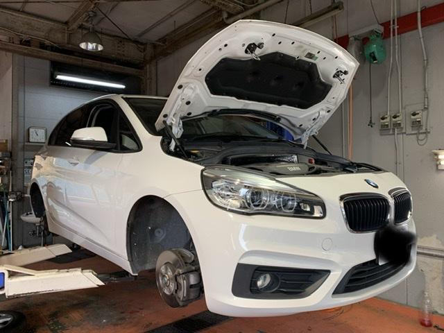 BMW 218iの車検整備