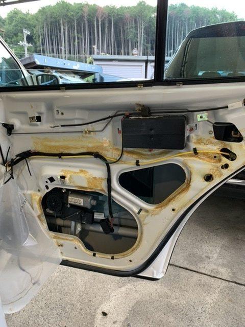 ベンツ E350 パワーウィンドウ修理